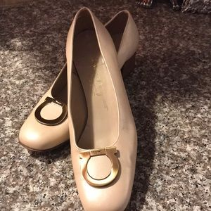 Ferragamo Pumps Sz10 Beige 1.5 heel. Like new.